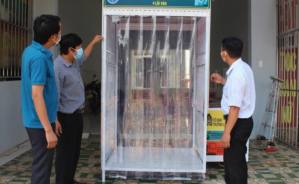 Buồng khử khuẩn do giáo viên trường THPT Trường Chinh chế tạo (Ảnh minh họa)