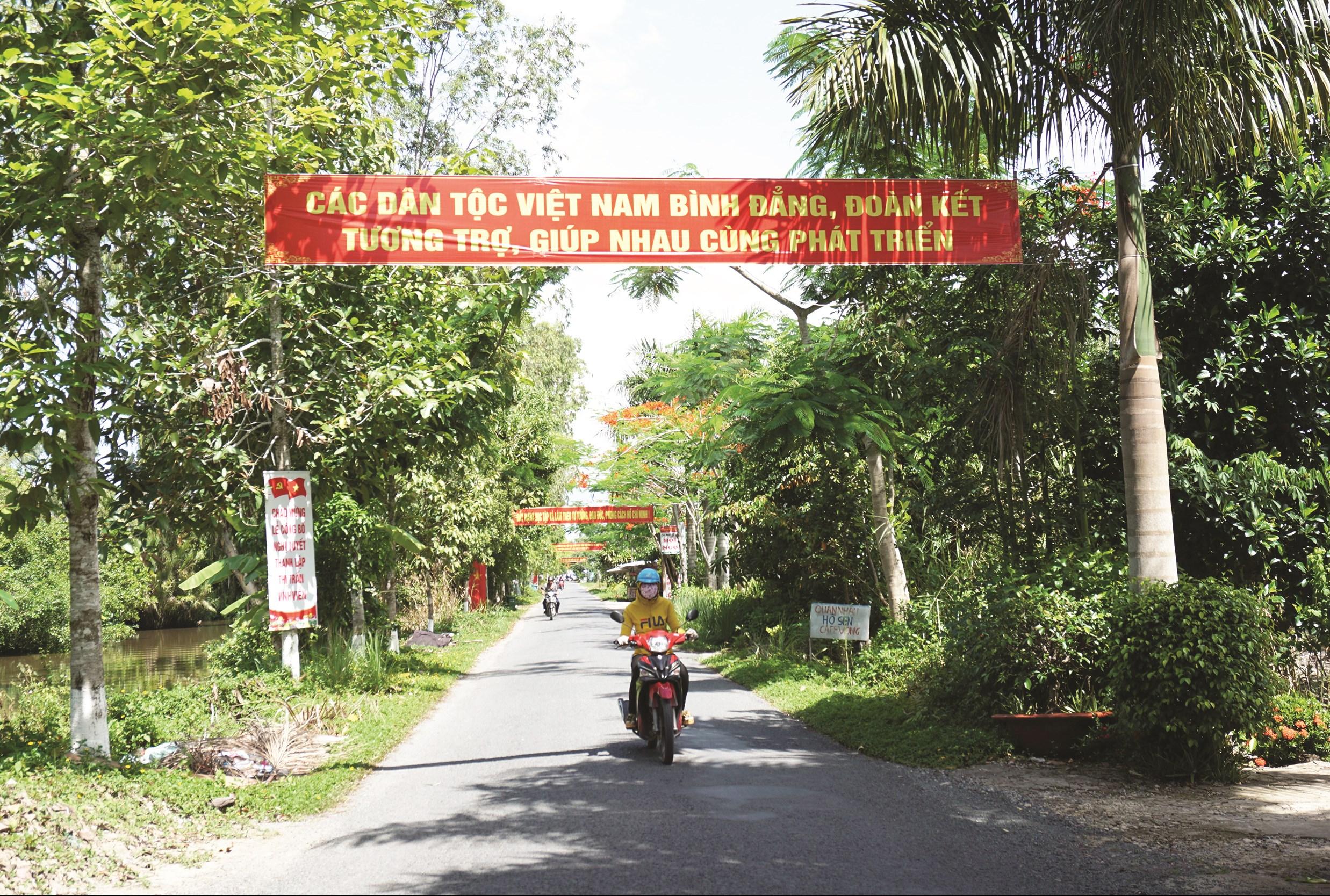 Đường vào xã Xà Phiên.