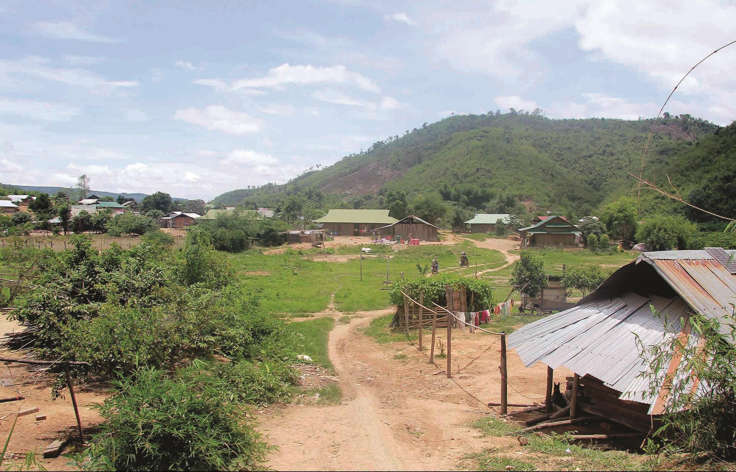 Bản mới của người Mông ở xã Lộc Thành, huyện Bảo Lâm.
