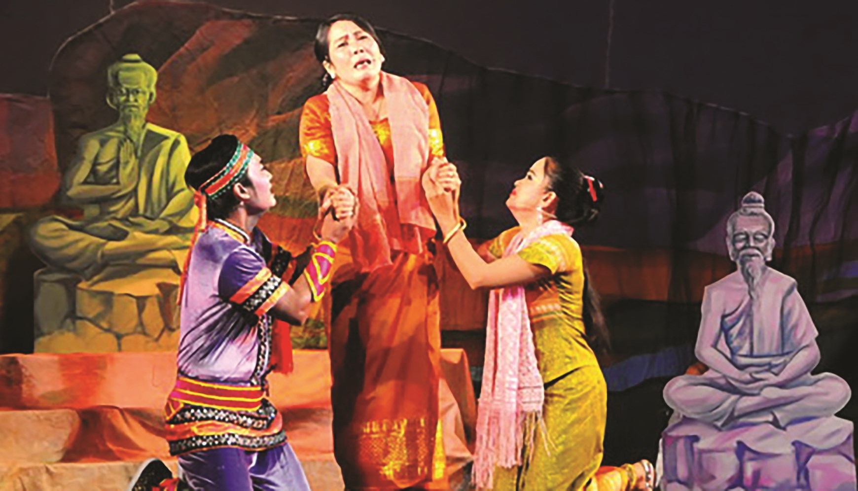 """Đoàn nghệ thuật sân khấu Dù kê Khmer Sóc Trăng đã ra mắt với vở diễn """"Nàng Xê Đa"""" và được công chúng tại khán phòng nhiệt liệt đón nhận."""
