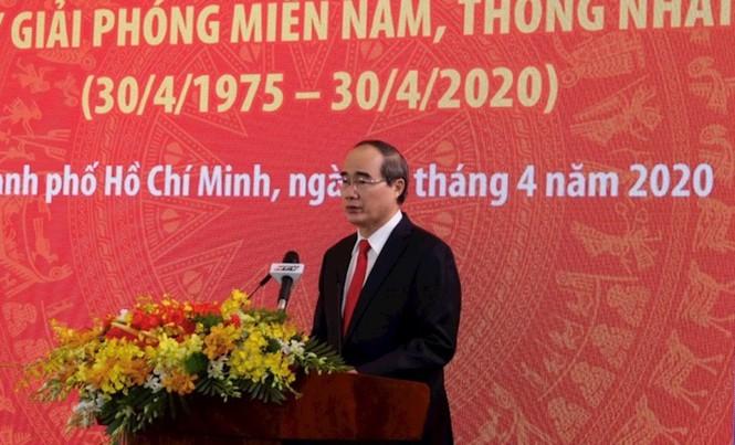 Bí thư Thành ủy TPHCM Nguyễn Thiện Nhân đọc diễn văn tại lễ kỷ niệm