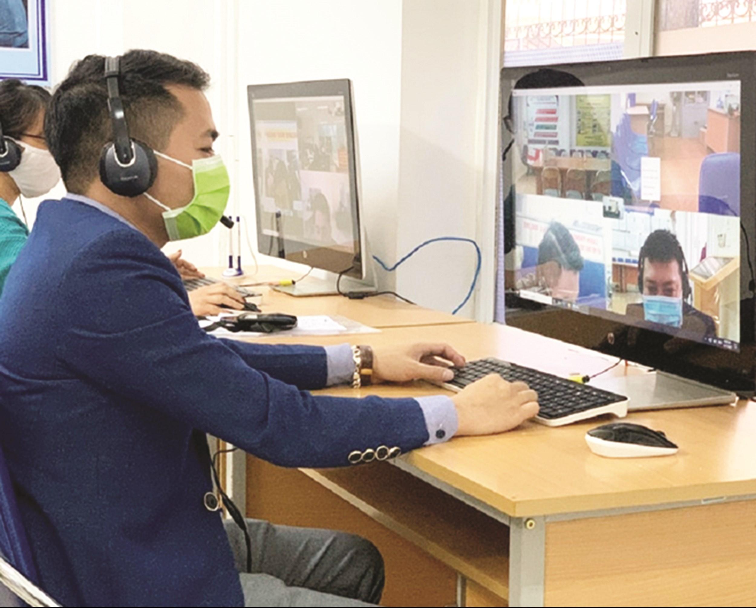 Giao dịch việc làm Online trở thành lựa chọn tối ưu cho người lao động trong bối cảnh hậu dịch Covid- 19.