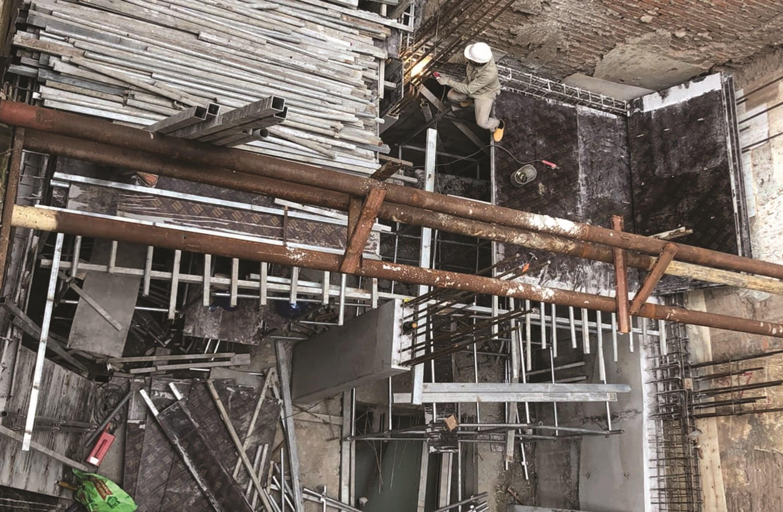 Công trình 35 Hàng Bè đã bị UBND quận Hoàn Kiếm xử phạt 17,5 triệu đồng