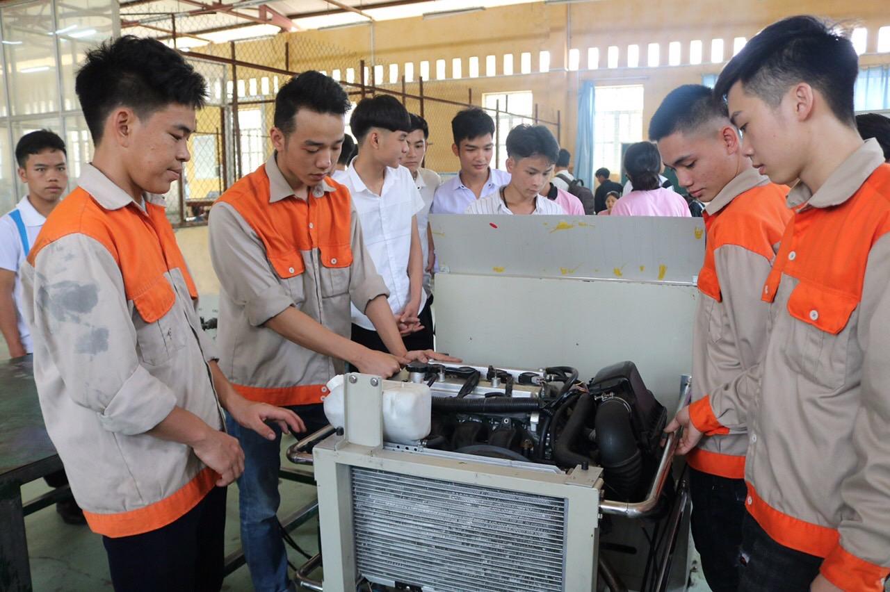 Nâng cao chất lượng đào tạo góp phần bảo đảm đầu ra cho HSSV của nhà trường sau khi tốt nghiệp
