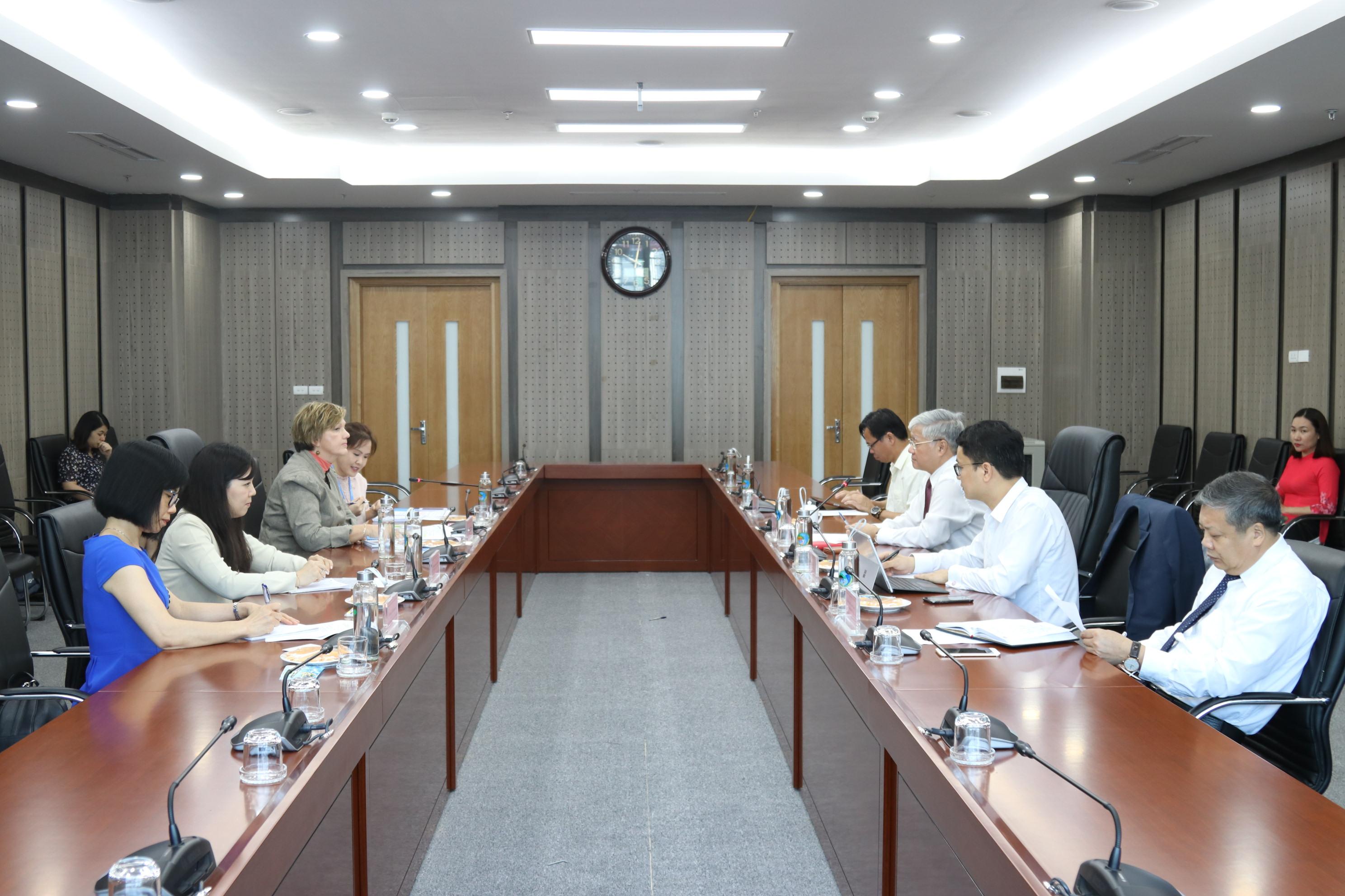 Bộ trưởng, Chủ nhiệm UBDT Đỗ Văn Chiến tiếp bà Rana Flower, Trưởng đại diện mới của Unicef tại Việt Nam