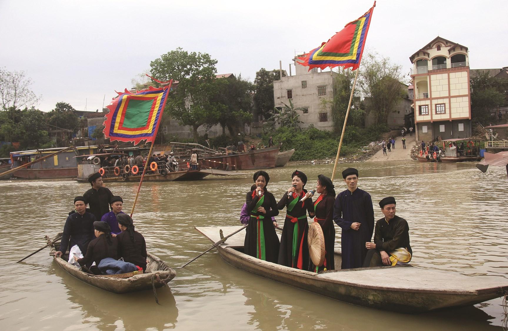 Hát dân ca quan họ trên sông Cầu