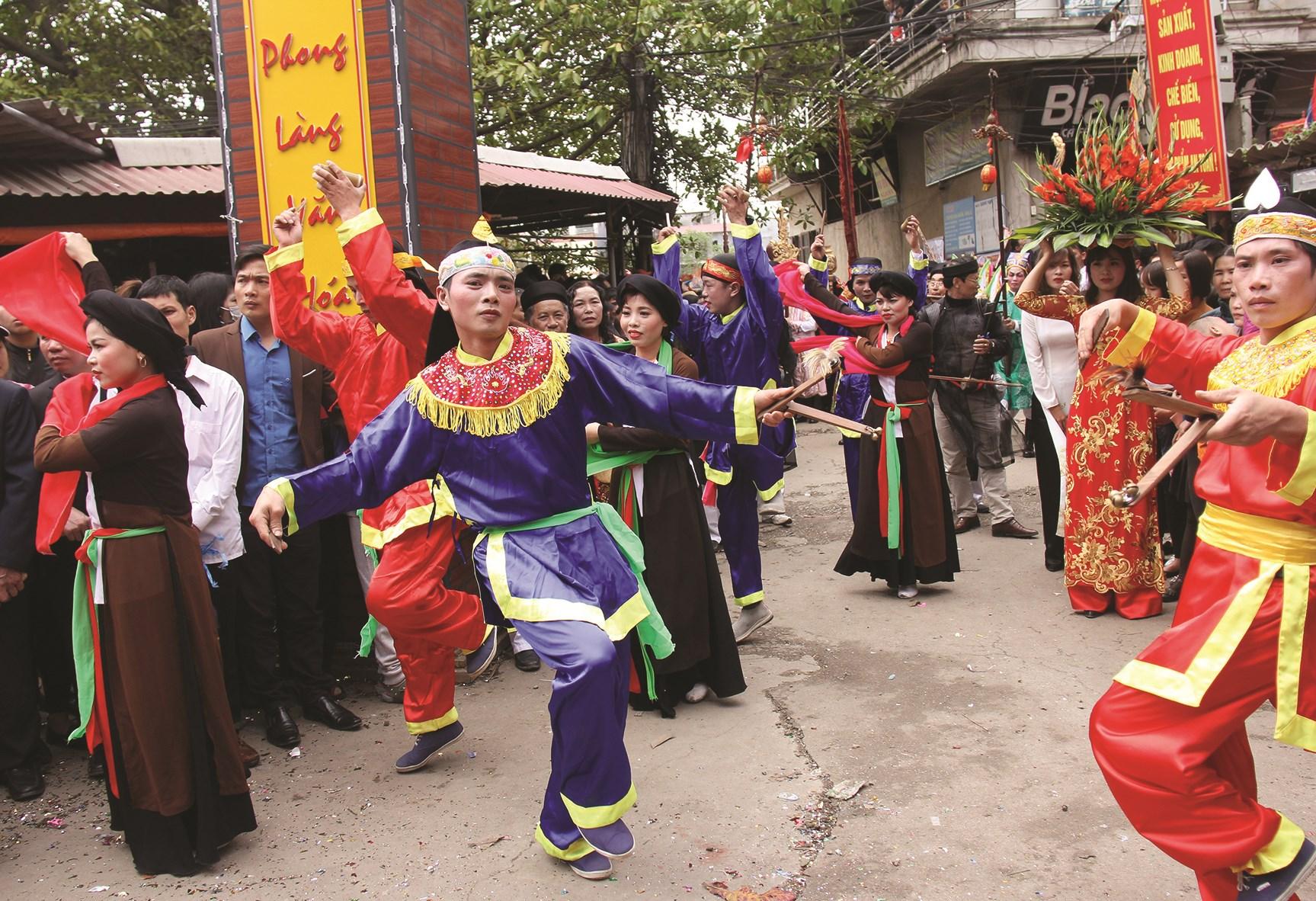 Lễ hội truyền thống làng cổ Thổ Hà