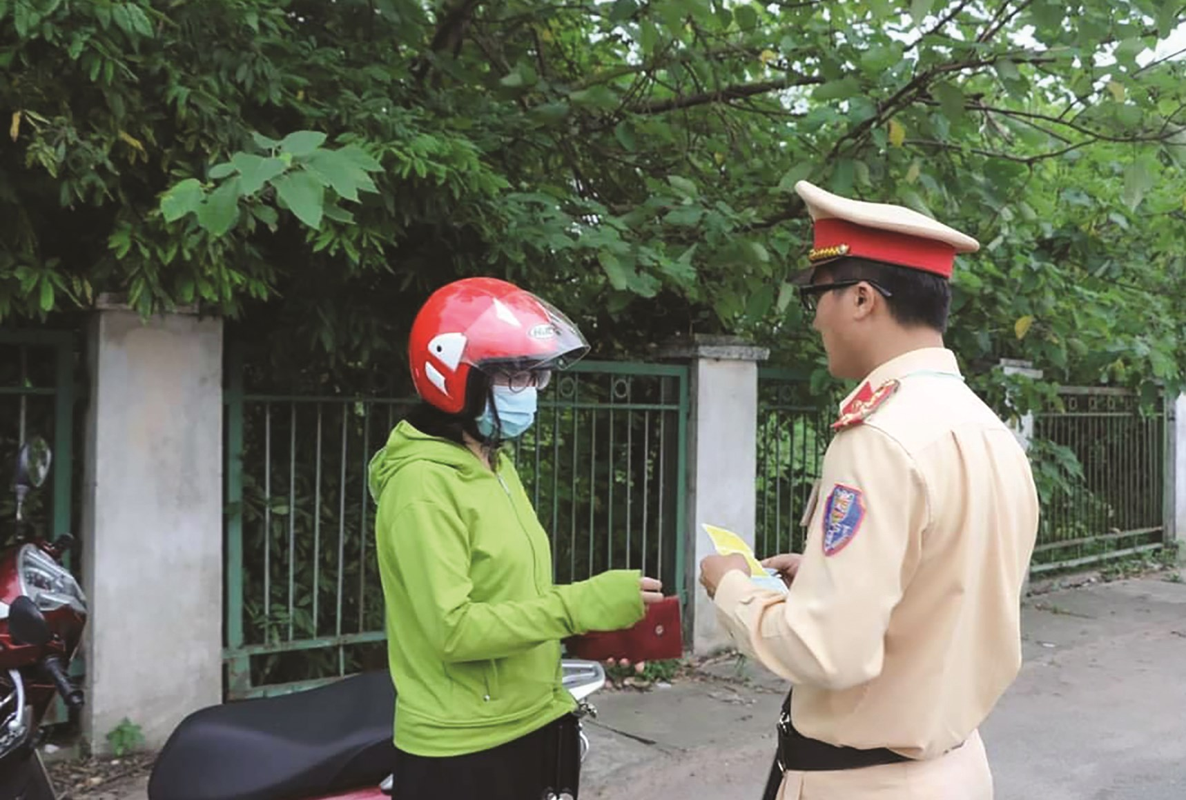 Cảnh sát giao thông toàn quốc triển khai kiểm tra các phương tiện cơ giới tham gia giao thông