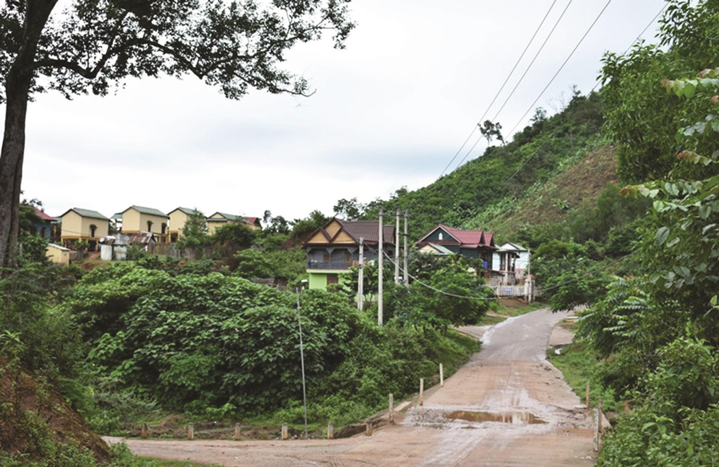 Một góc bản Ka Tăng - bản kiểu mẫu của huyện miền núi Hướng Hóa (Quảng Trị)