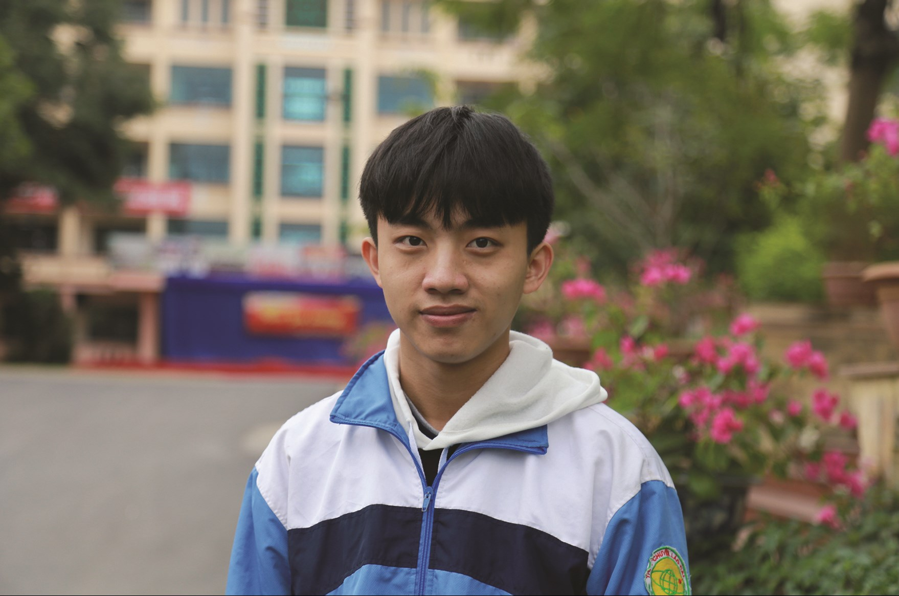 Tại kỳ thi học sinh giỏi quốc gia, Giàng Seo Áo đạt được giải Khuyến khích môn Vật lý