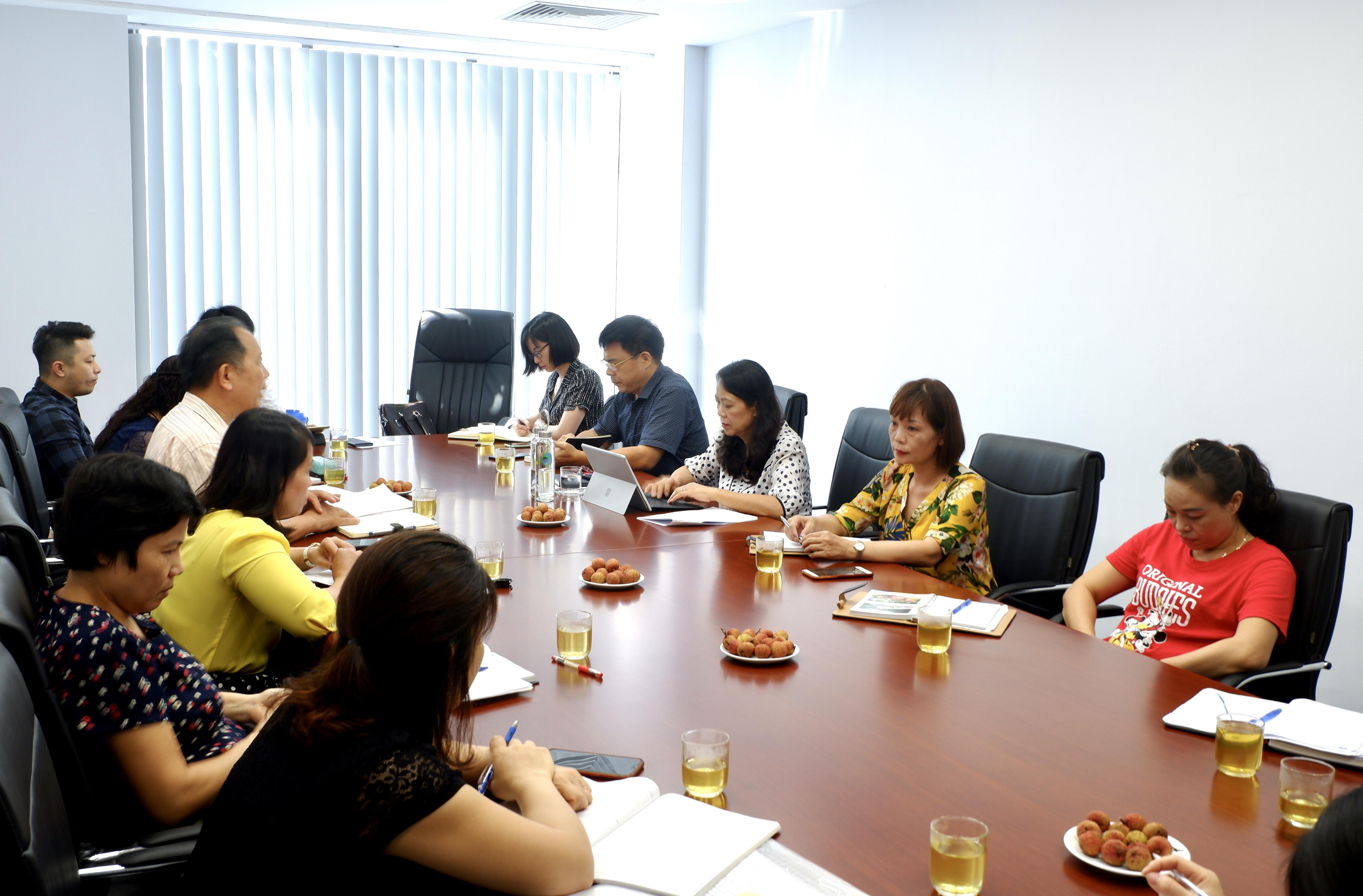 Thứ trưởng, Phó Chủ nhiệm UBDT Hoàng Thị Hạnh chủ trì buổi làm việc với Tạp chí Dân tộc