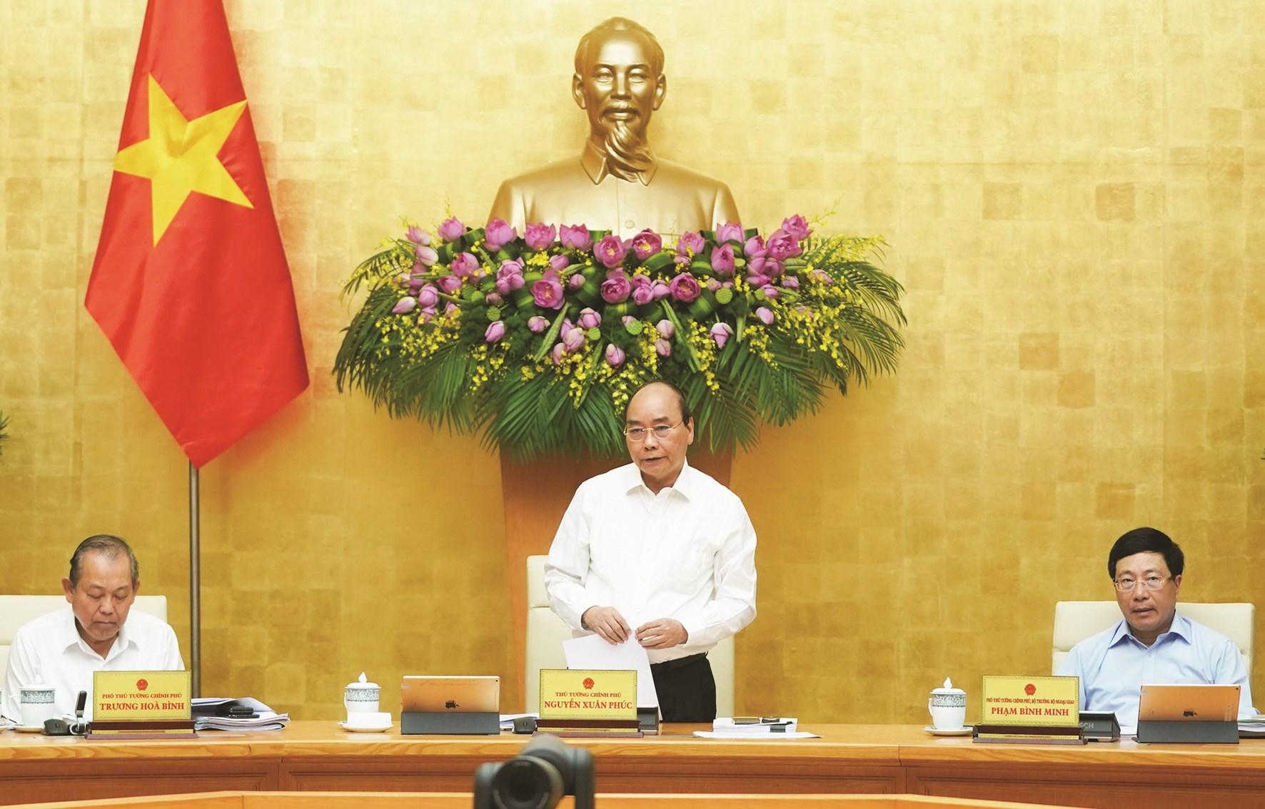Thủ tướng Nguyễn Xuân Phúc chủ trì phiên họp Chính phủ tháng 5/2020