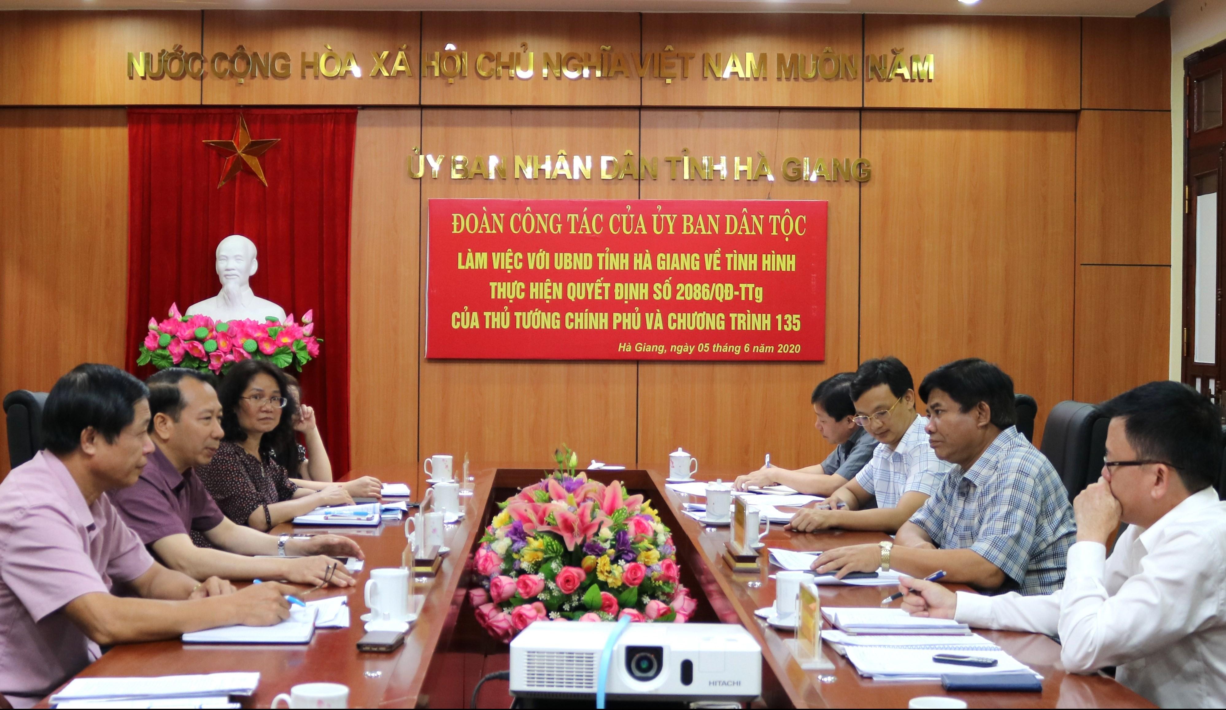 Đoàn công tác của Ủy ban Dân tộc làm việc với UBND tỉnh Hà Giang
