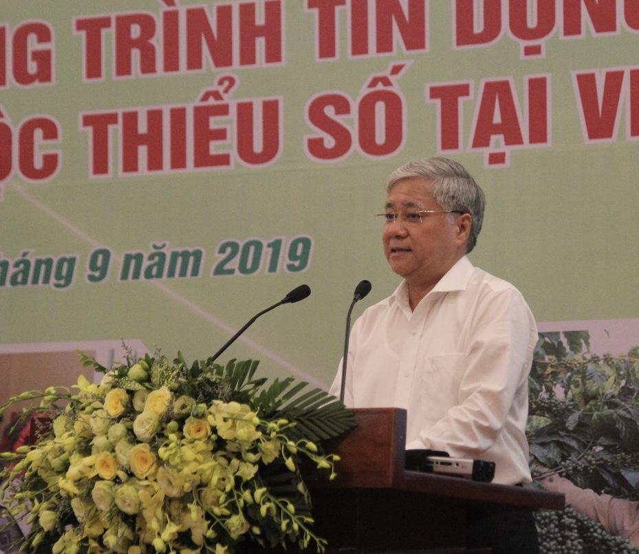 Bộ trưởng, Chủ nhiệm UBDT Đỗ Văn Chiến phát biểu tại Hội thảo.