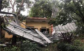 Mưa đá, tố lốc gây nhiều thiệt hại ở các địa phương