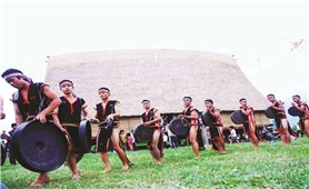 Gia Lai: Buôn làng vang tiếng cồng chiêng