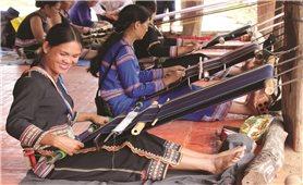 Kon Tum: Bảo tồn nghề dệt thổ cẩm của người Ba Na