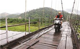 Con Cuông (Nghệ An): Ẩn họa từ cây cầu treo mục nát
