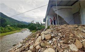 Thấp thỏm sống bên dòng sông Nậm Piệt mỗi mùa mưa bão