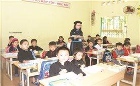 Bảo đảm học sinh vùng khó có sách giáo khoa cho năm học mới: Trách nhiệm không chỉ của ngành Giáo dục
