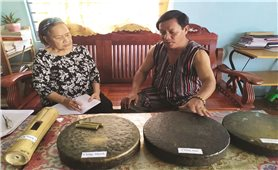 Người gìn giữ bản sắc văn hóa vùng cao Quảng Ngãi