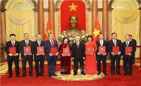 Tổng Bí thư, Chủ tịch nước trao quyết định bổ nhiệm 9 Đại sứ Việt Nam tại nước ngoài