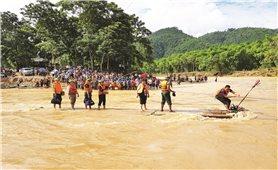 Lũ lụt miền Trung nghĩ về nghề báo!
