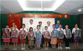 Ủy ban Dân tộc: Gặp mặt Đoàn Đại biểu học sinh Cháu ngoan Bác Hồ huyện A Lưới