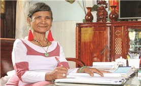 Người phụ nữ sáng tạo chữ viết cho đồng bào Raglay