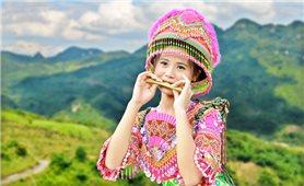 Độc đáo kèn lá của người Mông