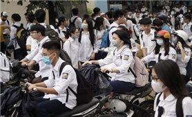 Học sinh Hà Nội phải đeo khẩu trang từ nhà đến trường và từ trường về nhà