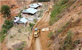 Quảng Nam: Mở đường đưa xe cơ giới vào tìm kiếm nạn nhân mất tích ở Phước Sơn