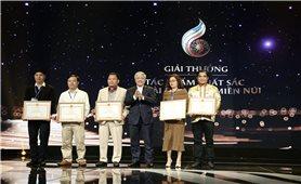Bộ trưởng, Chủ nhiệm Ủy ban Dân tộc Đỗ Văn Chiến trao giải tác phẩm truyền hình xuất sắc về đề tài Dân tộc - Miền núi