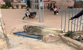 Yêu cầu điều tra vụ đổ cổng trường làm một học sinh tử vong