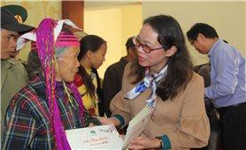 Thứ trưởng, Phó Chủ nhiệm UBDT Hoàng Thị Hạnh thăm, chúc Tết tại tỉnh Quảng Ninh