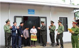 Bộ Công an trao 600 căn nhà cho hộ nghèo huyện Mường Lát