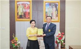 Người viết sách về Chủ tịch Hồ Chí Minh ở Thái Lan