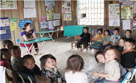 Giáo dục song ngữ trên cơ sở tiếng mẹ đẻ: Một mô hình hay nhưng thiếu nguồn lực (Bài 1)
