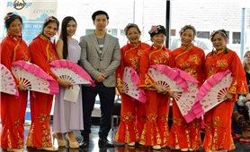 Lớp học hát online ở London: Nơi chắp cánh tiếng ca Việt