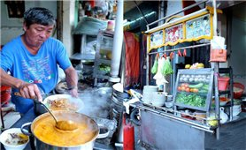 Hủ tiếu sa tế - món ngon nức tiếng ở Chợ Lớn