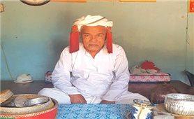Thông Trận - sư cả uy tín trong cộng đồng người Chăm ở Lâm Giang