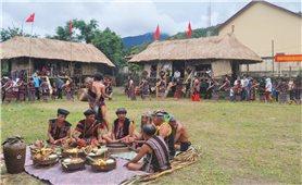 Thừa Thiên Huế: Bảo tồn, phát huy văn hóa truyền thống của đồng bào DTTS gắn với phát triển du lịch