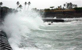Chủ động ứng phó mưa, gió, dông lốc trên biển