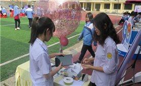 Tặng trên 6.500 đầu sách cho trẻ em vùng cao Lào Cai