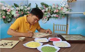 Từ tình yêu hạt gạo đến những tác phẩm nghệ thuật được làm bằng gạo