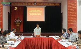 Bộ trưởng, Chủ nhiệm Hầu A Lềnh làm việc với Ban Quản lý Làng Văn hóa - Du lịch các dân tộc Việt Nam