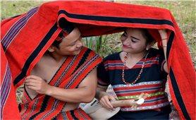 Nét đẹp trang phục dân tộc Tà Ôi