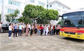 Lào Cai tăng cường 50 y, bác sỹ vào tỉnh Bình Dương tham gia chống dịch