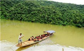 Người lái đò trên dòng Nậm Mu
