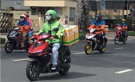TP. Hồ Chí Minh xem xét ưu tiên tiêm vaccine cho 62.000 shipper